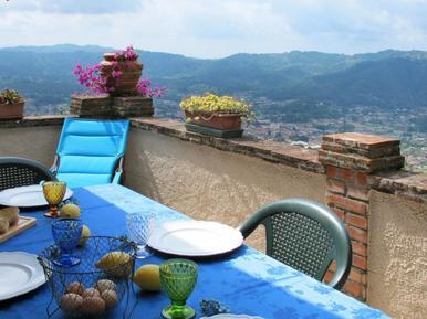Für 4 Personen: Hübsches Apartment / Ferienwohnung in der Region Greppolungo